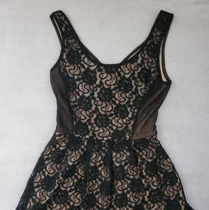 Love Tree Short Lace Dress